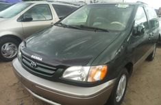 Tokunbo Toyota Sienna 2003 Model Green