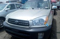 Tokunbo Toyota RAV4 2003 Model Gold
