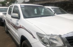 Properly maintained Nigerian used 2013 Toyota Hilux