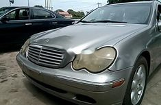 Well Maintained Nigerian used Mercedes-Benz C240 2004