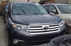 Toyota Highlander SUV Limited Tokunbo 2013 Model