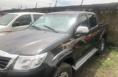Properly maintained Nigerian used Toyota Hilux 2013