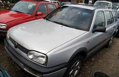 Neat Foreign used Volkswagen Golf 2000