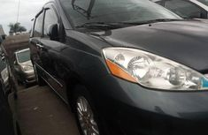 Super Clean Nigerian used 2008 Toyota Sienna