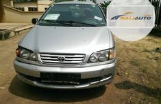 Neat Nigerian used Toyota Picnic 2002 Silver