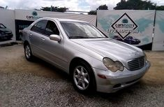 Well Maintained Nigerian used 2001 Mercedes-Benz C240