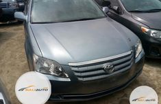 Super Clean Foreign used Toyota Avalon 2006 Blue