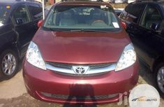 Foreign Used Toyota Sienna XLE 2009 Red