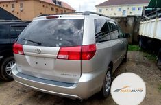 Foreign Used Toyota Sienna LE 2004 Model Silver