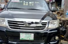 Properly maintained Nigerian used Toyota Hilux 2015