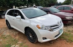 Properly maintained Nigerian used Toyota Venza 2014