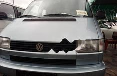 Neat Foreign used Volkswagen Caravelle 2000
