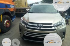 Foreign Used Toyota Highlander 2016 Gold
