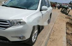 Clean Foreign used Toyota Highlander 2013