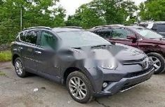 Very Clean Foreign used 2017 Toyota RAV4