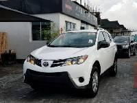 Foreign Used Toyota RAV4 2015 Automatic White