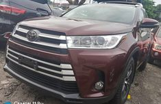 Very Clean Foreign used 2019 Toyota Highlander