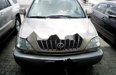 Properly maintained Nigerian used Lexus RX 2001