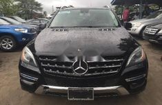 Neat Foreign used Mercedes-Benz ML350 2011