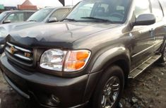 Neat Foreign used Toyota Sequoia 2003