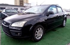 Neat Nigerian used 2004 Ford Focus