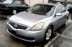 Neat Nigerian used 2007 Nissan Altima