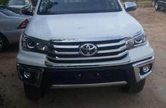 Very Sharp Tokunbo Toyota Hilux 2019