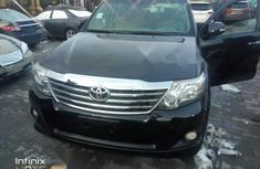 Neat Nigerian used Toyota Fortuner 2013
