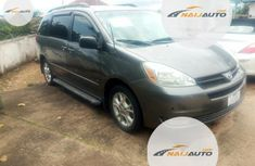 Foreign Used Toyota Sienna 2004 LE AWD Gray