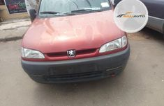 Foreign Used Peugeot Partner 2004 Model Red