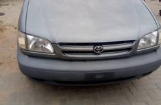 Foreign Used Toyota Sienna 2000 Model Gray