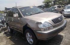 Extremely Neat Foreign used 2002 Lexus RX