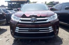 Very Clean Foreign used 2017 Toyota Highlander
