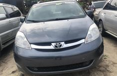 Used Toyota Sienna for Sale in Nigeria 2006 Model Grey