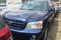 Very Clean Foreign used Toyota Highlander 2004 Blue