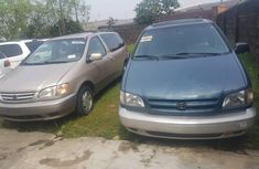 Used Toyota Sienna for Sale in Nigeria Blue 2000 Model