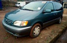 Used Toyota Sienna for Sale in Nigeria V6 2001 Model