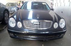 Neat Foreign used Mercedes-Benz E350 2006