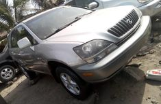 Neat Foreign used Lexus RX 2000