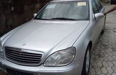 Neat Foreign used Mercedes Benz S320