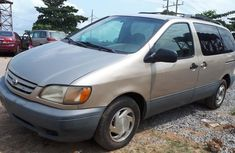 Clean used 2001 Toyota Sienna