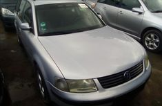 Tokunbo Volkswagen Passat 2000 Model Silver for Sale