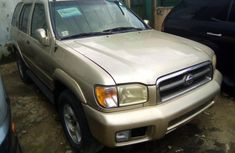 Foreign Used Nissan Pathfinder 2000 Model Brown