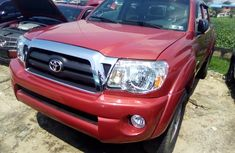 Toyota Tacoma 2006 Model Red Tokunbo Pickup