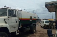 Nigerian Used Ford L8000 Pendular Tanker 1994 Model 11,000L