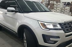 Used Ford Explorer 2018 Model Foreign White