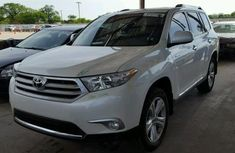 Tokunbo Toyota Highlander 2013 Model White