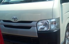 Toyota HiAce 2010 Model Foreign Used White for Sale