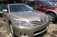 Foreign Used Toyota Camry XLE Gold Sedan 2011 Model
