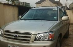 Foreign Used Toyota Highlander 2002 Model Gold